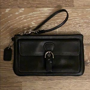 Coach wristlet w/ front magnetic pocket